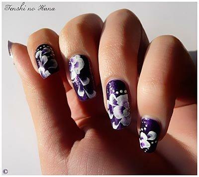 Акриловый дизайн ногтей или роспись акриловыми красками